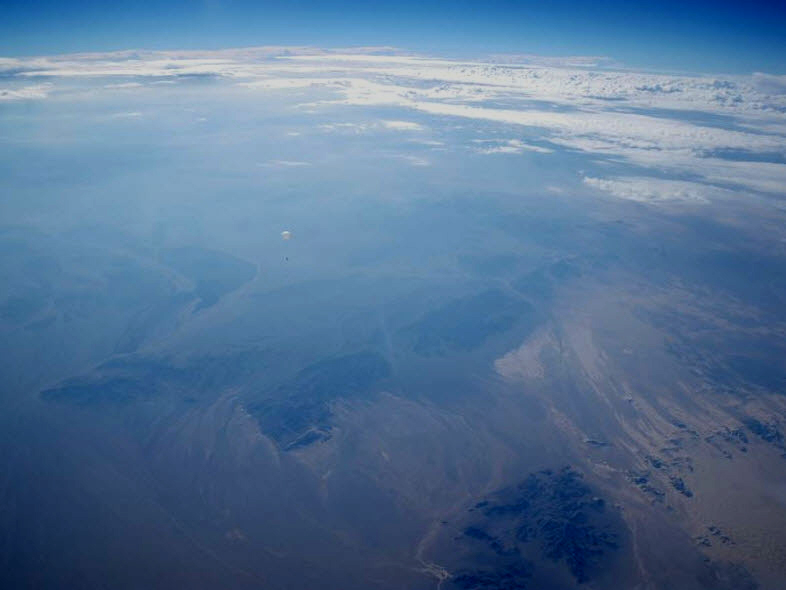 mojave-dreams-15-looking-down-on-droid-2